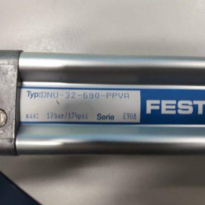 Festo Pneumatikzylinder DNU-32-690-PPV-A