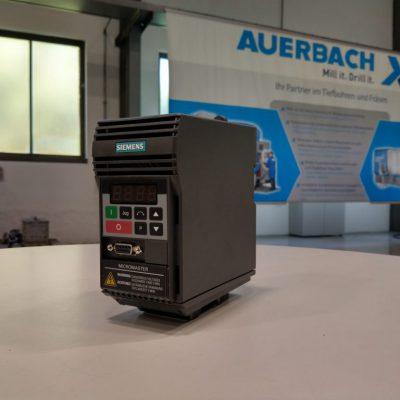 Siemens Frequenzumrichter Micromaster 6SE9211-1DA40 (für Motor 370W)