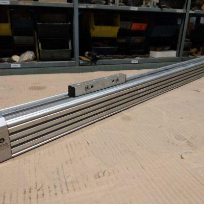 Festo Linearantrieb DGP-40-700-PPV-A-B-GK
